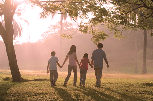 family-walking-together-naturopathic-health-medicine-surrey